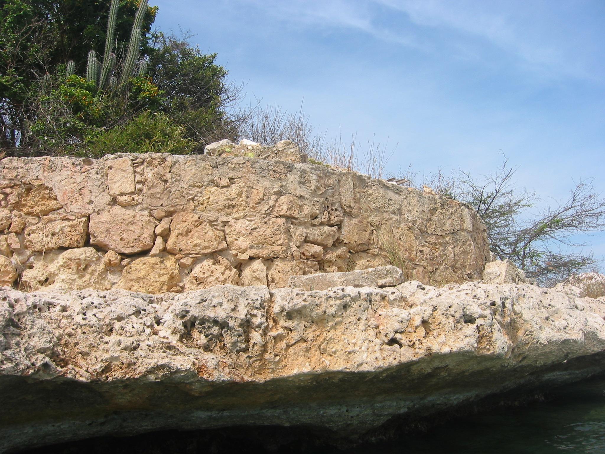 Battery wall